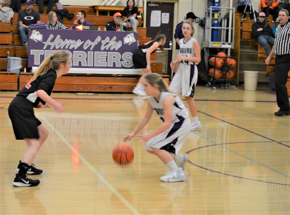 Girls Basketball Tayler and Sara